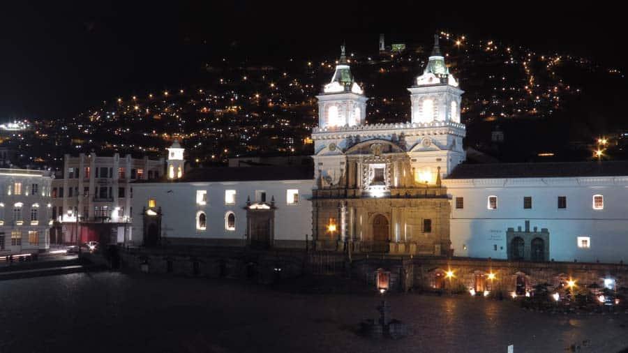 Quito Tour Bus Otavalo
