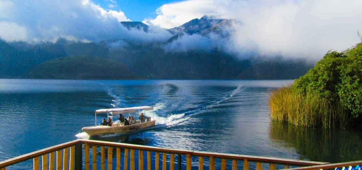 Paseo en Bote Laguna Cuicocha