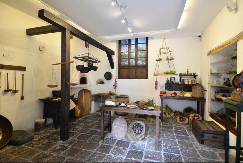 Museo del Carmen Alto - La cocina es donde las carmelitas descalzas preparan sus alimentos diarios